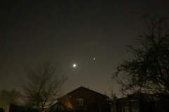 Iss-slipping-between-the-now-moon-and-Venus-at-20.33-2020-03-28-at-20.33.23