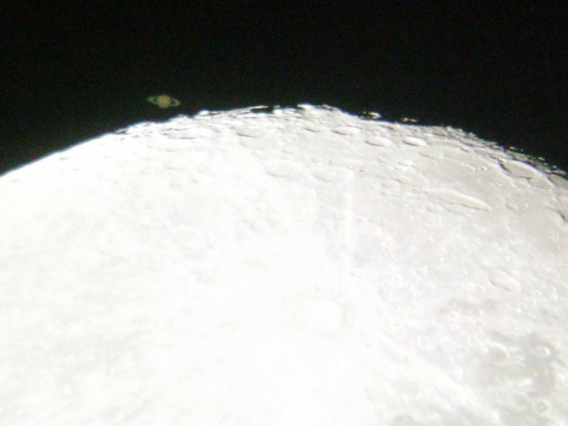 Saturn Occultation by the Moon