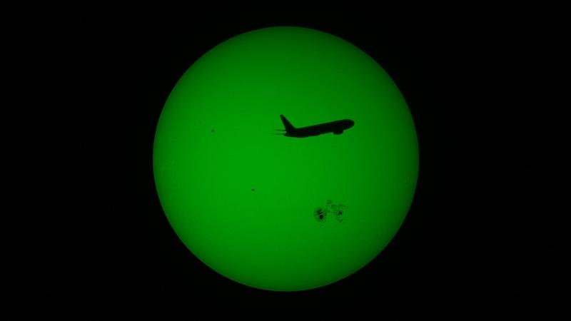 Sun 2014-10-25 1410UT 71Frames v1nowords